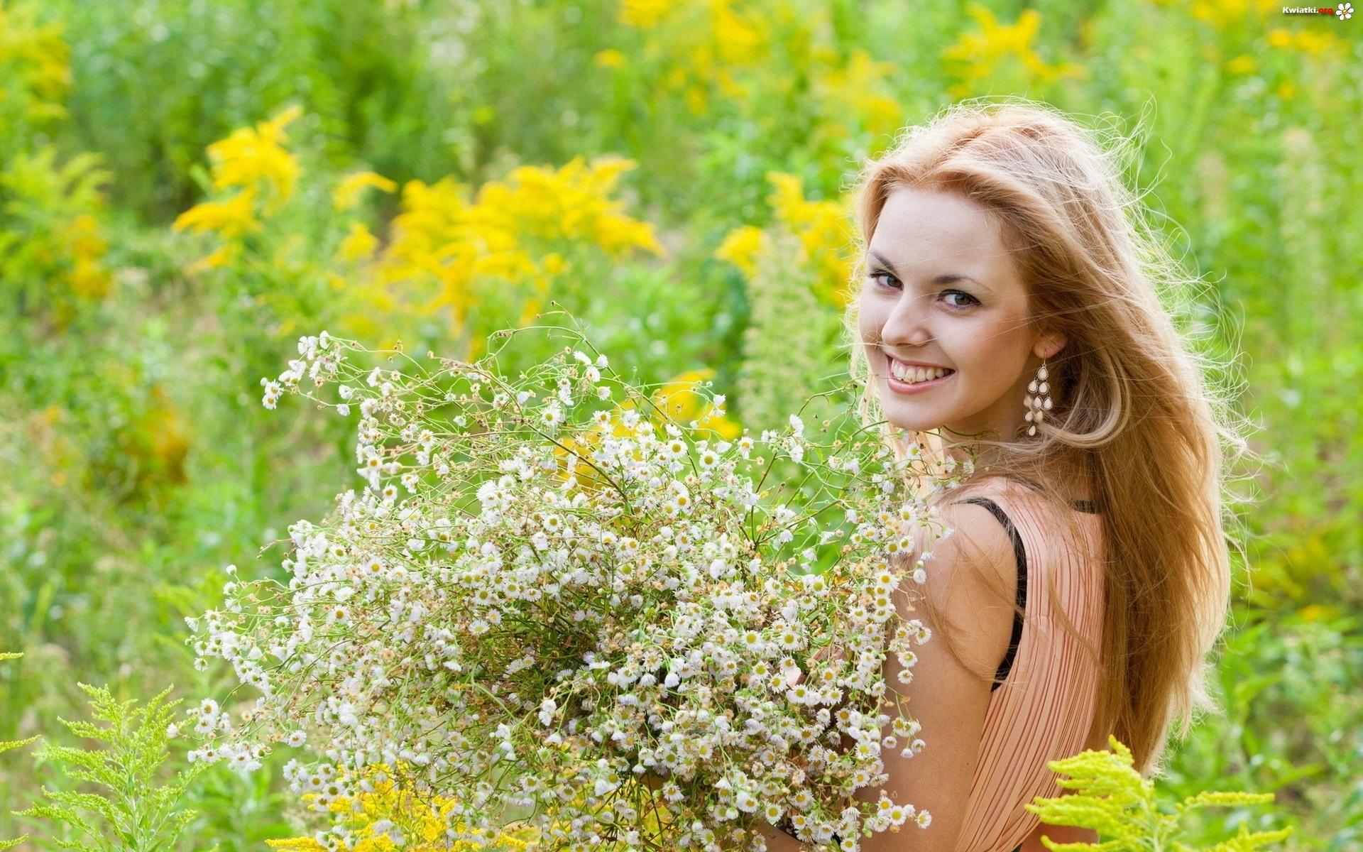 http://www.kwiatki.org/kwiaty/usmiechnieta-aka-blondynka-kwiaty.jpeg